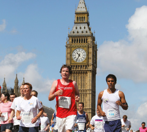 Runners in front of Big Ben