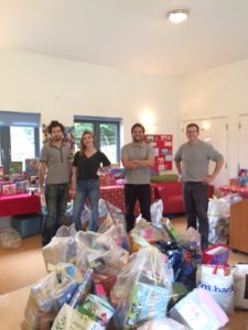 Willis Towers Watson Christmas volunteers
